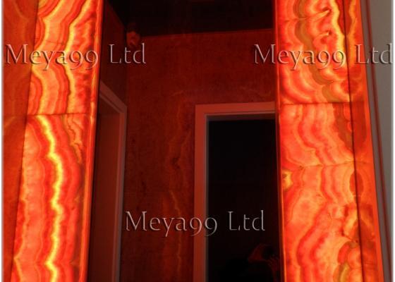 Плот от Гранит и Рамка за огледало от Оникс с осветление